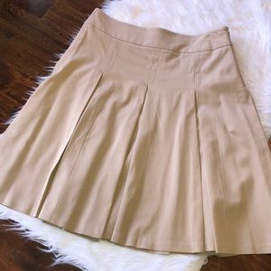 LOFT - Size 4 P - tan pleated skirt